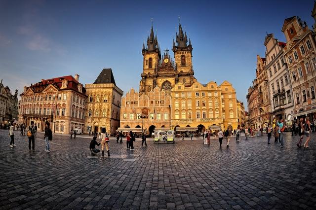 Plaza de la Ciudad Vieja. Iglesia de Nuestra Señora del Týn. Praga
