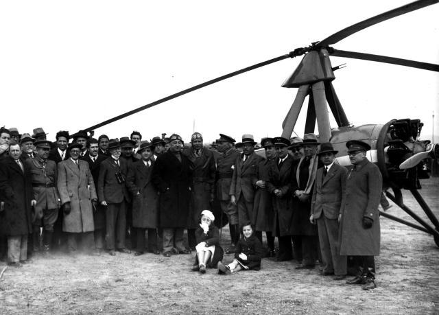 Leyenda: El Autogiro de Juan de la Cierva aterrizó en el campo de Manises el 24 de marzo.