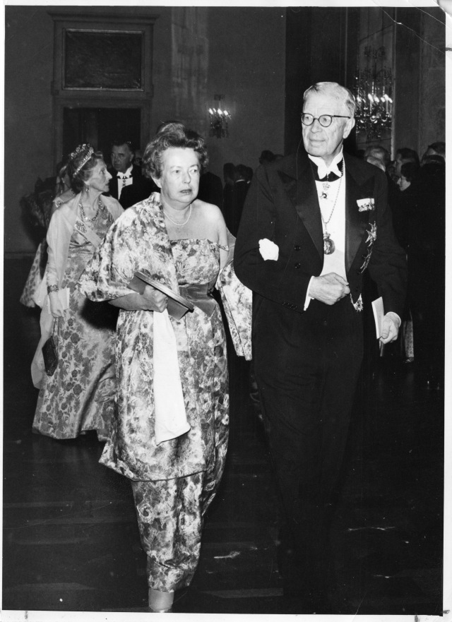 Maria y Joseph en la ceremonia de entrega del Premio Nobel