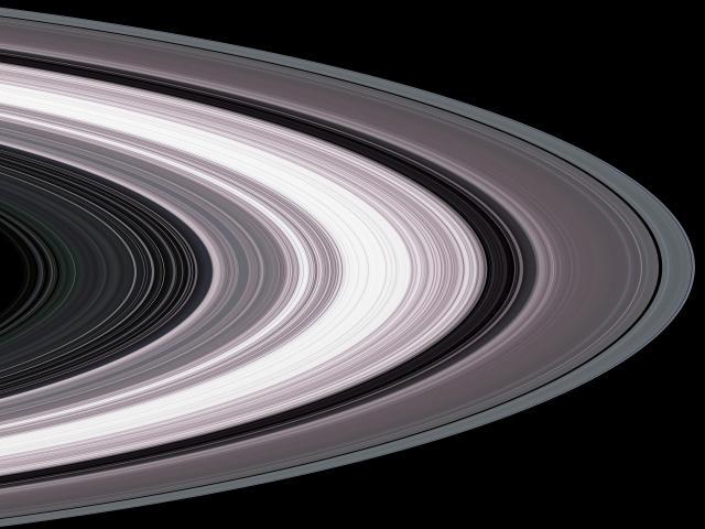 PIA07872_Saturn's_rings_in_radio