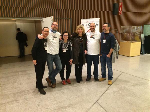Acompañada de Luis, J.C., Dolores, Santos y Carlos
