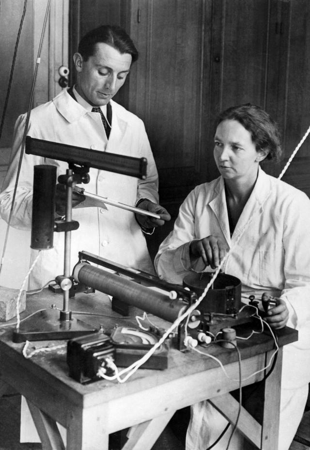 Joliot-Curie-Irene-1945-AFP